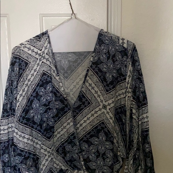 CLEARANCE: Mutli color blouse